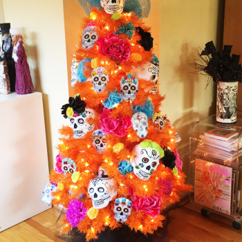 New Traditions for the Filian Family! Have a peek our Dia de los Muertos Tree