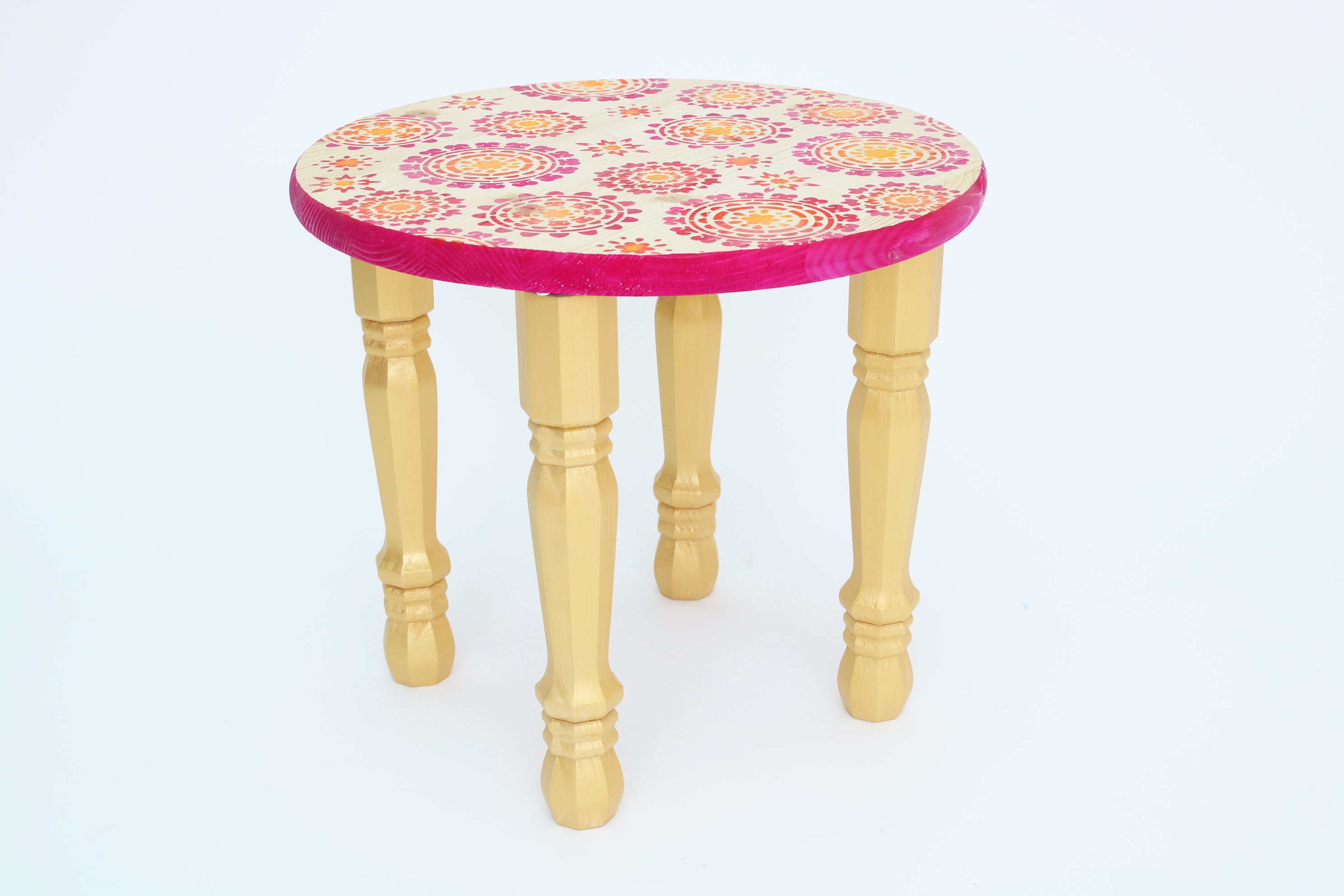 wood dyed stenciled table