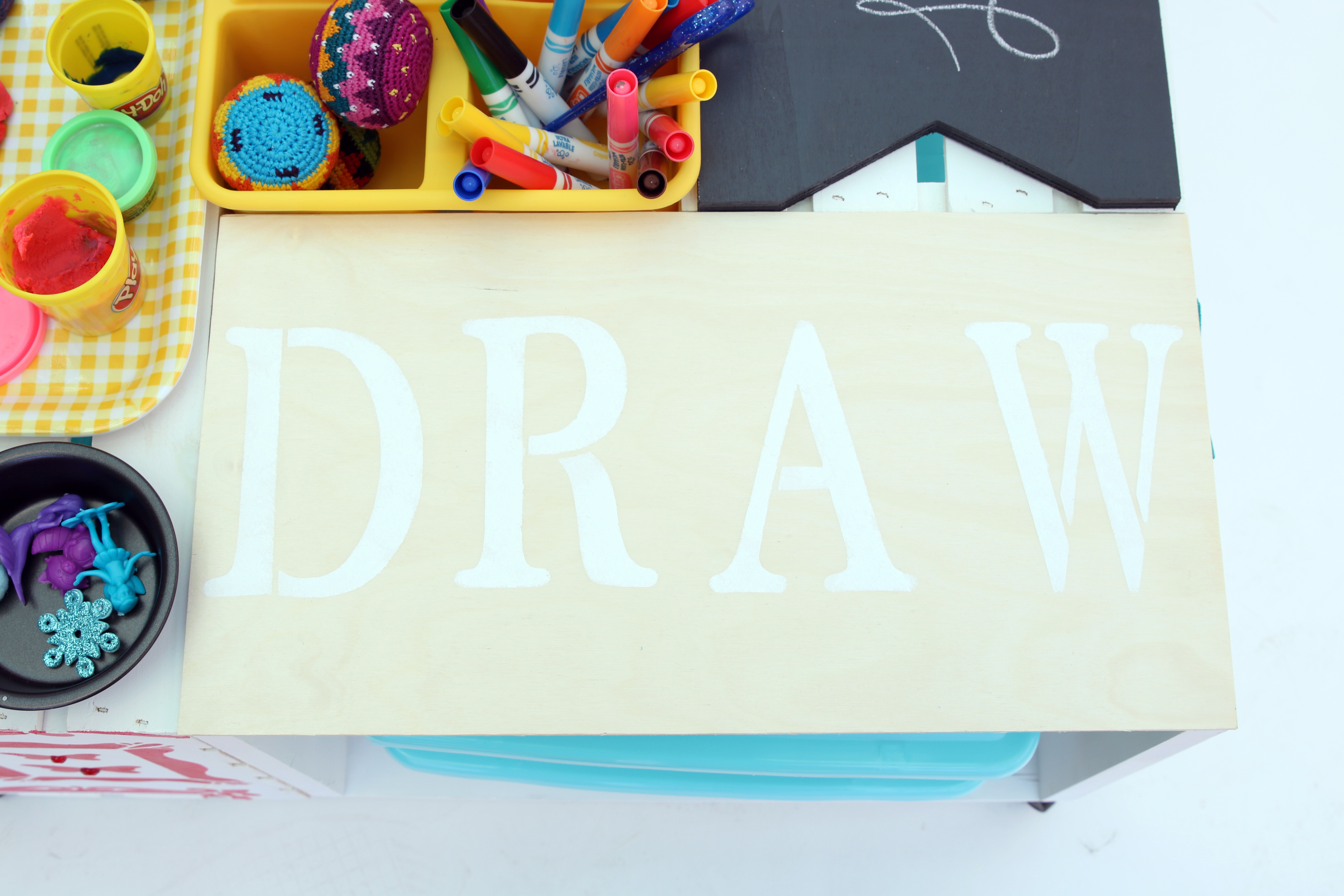 art activity drawing table