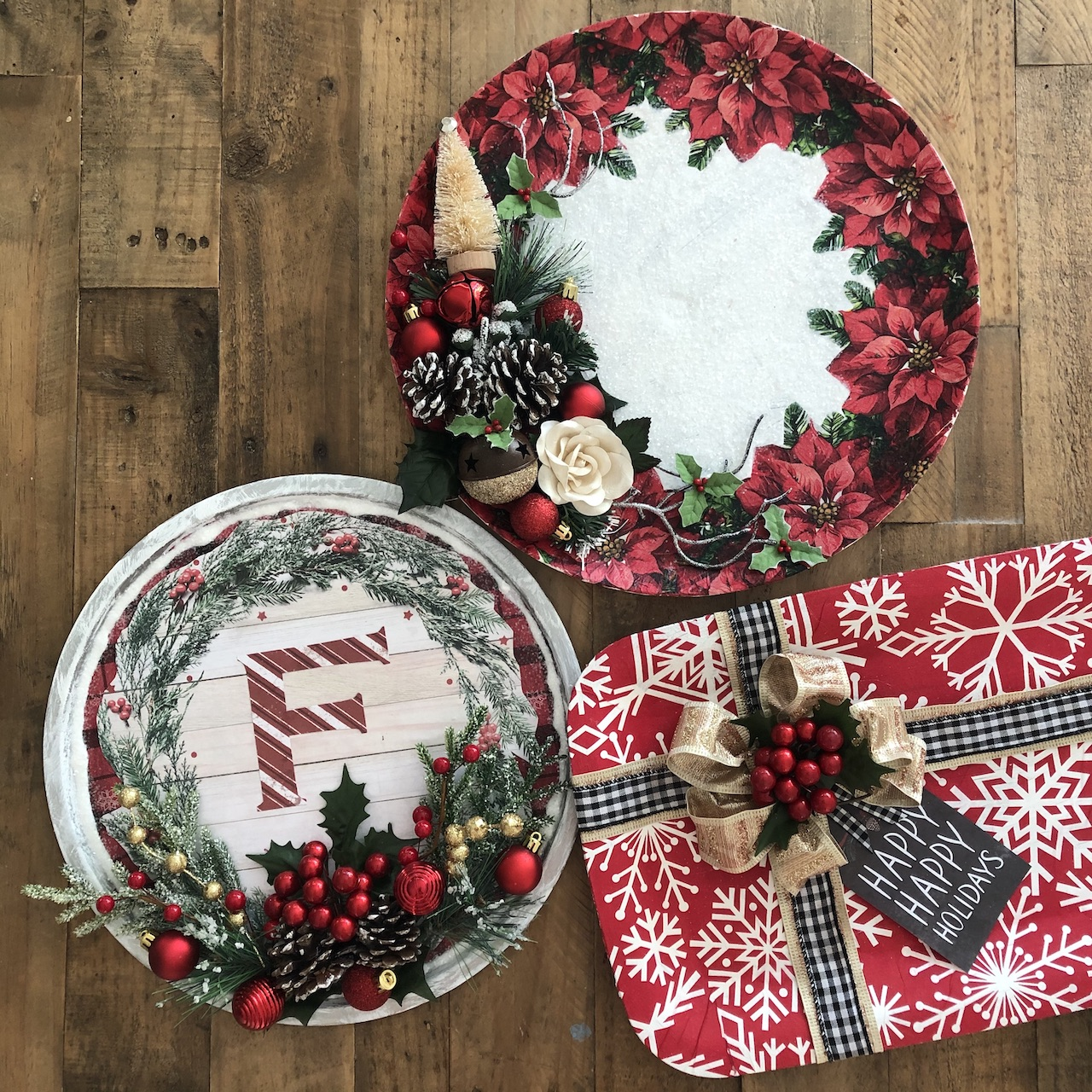 Dollar Store Pizza Pan Wreaths With Napkin Decoupage Handmade Happy Hour
